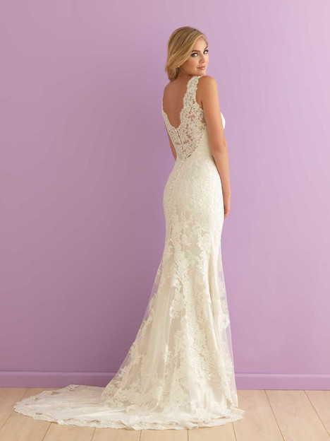 2901 (2) gown from the 2016 Allure Romance collection, as seen on dressfinder.ca