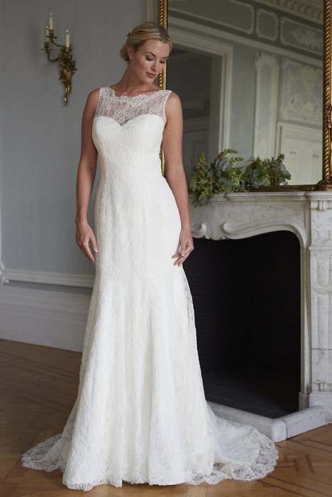Tanya gown from the 2016 Augusta Jones collection, as seen on dressfinder.ca