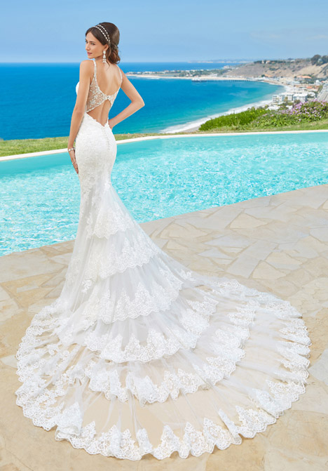Jovanna (back) gown from the 2016 KittyChen Couture collection, as seen on dressfinder.ca
