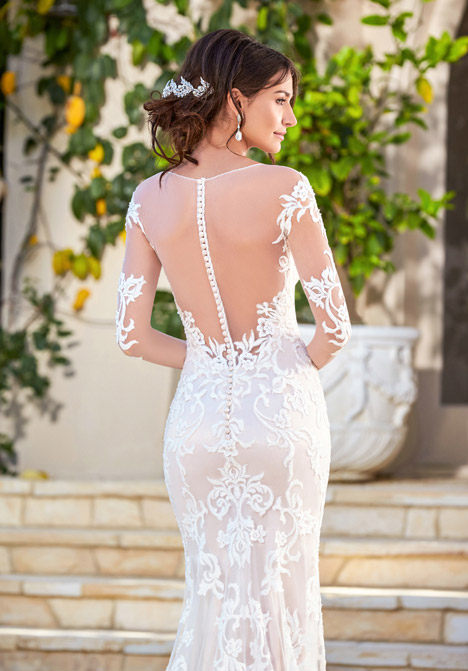 Rene (back) gown from the 2016 KittyChen Couture collection, as seen on dressfinder.ca