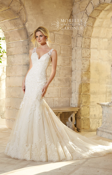 2773 gown from the 2015 Mori Lee: Bridal collection, as seen on dressfinder.ca