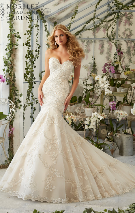 2801 gown from the 2016 Mori Lee: Bridal collection, as seen on dressfinder.ca