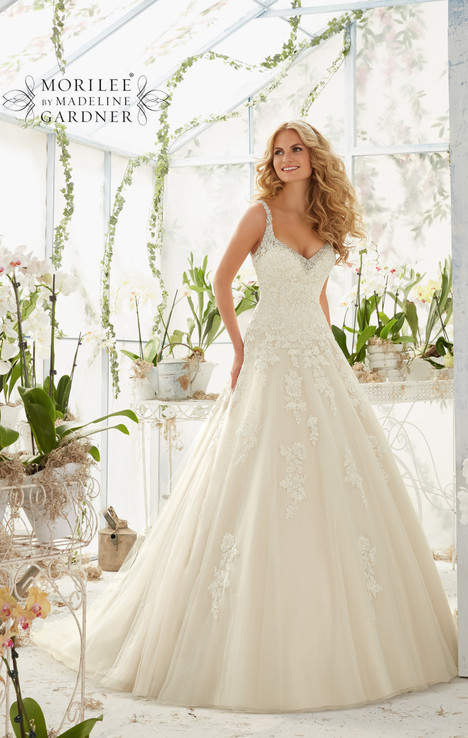 2811 gown from the 2016 Mori Lee: Bridal collection, as seen on dressfinder.ca