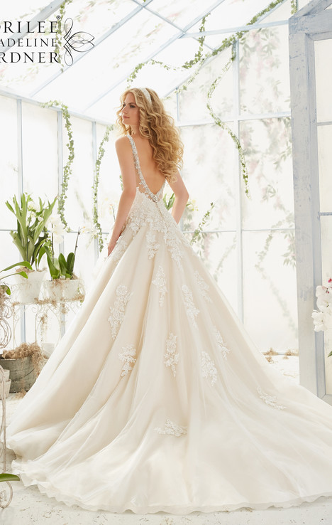 2811 (back) gown from the 2016 Mori Lee: Bridal collection, as seen on dressfinder.ca