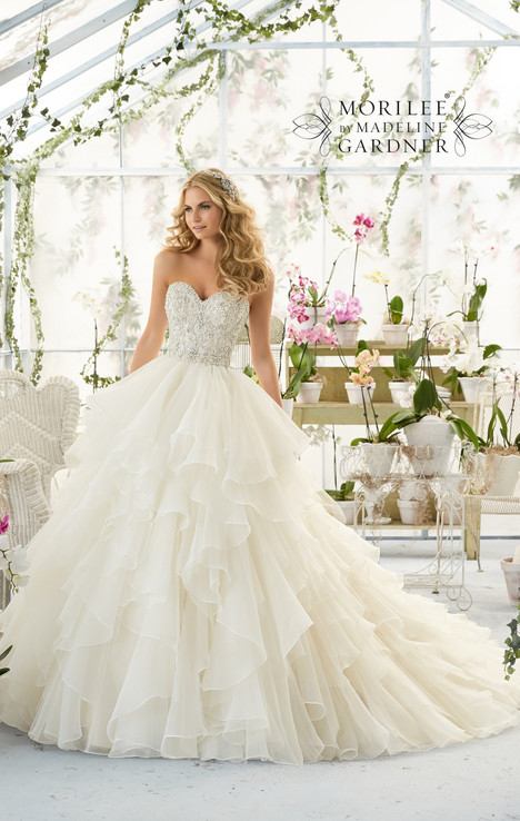 2815 gown from the 2016 Mori Lee: Bridal collection, as seen on dressfinder.ca