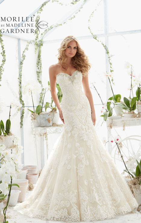 2817 gown from the 2016 Mori Lee: Bridal collection, as seen on dressfinder.ca