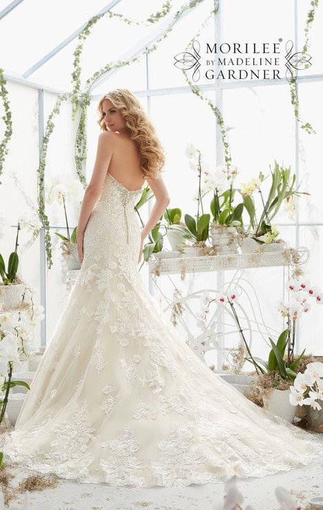 2817 (back) gown from the 2016 Mori Lee: Bridal collection, as seen on dressfinder.ca