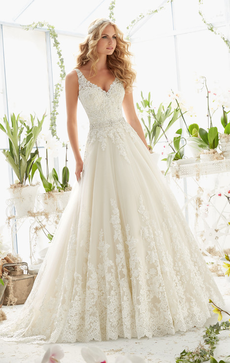 2821 gown from the 2016 Mori Lee: Bridal collection, as seen on dressfinder.ca