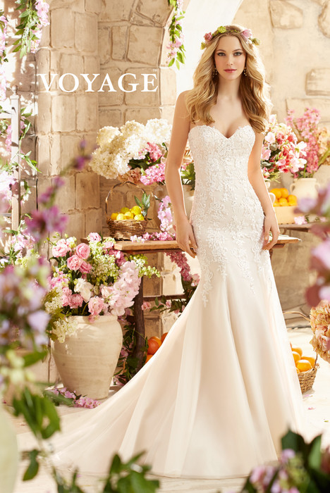 6807 gown from the 2015 Mori Lee: Voyage collection, as seen on dressfinder.ca