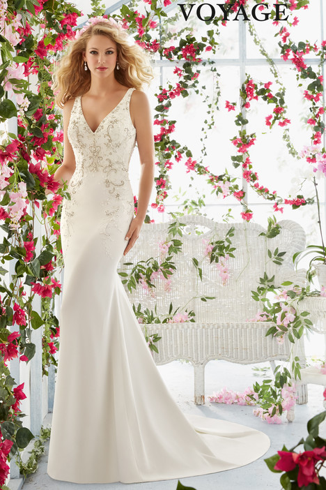 6811 gown from the 2016 Mori Lee: Voyage collection, as seen on dressfinder.ca