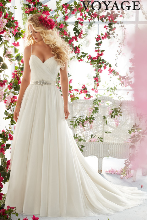 6812 gown from the 2016 Mori Lee: Voyage collection, as seen on dressfinder.ca