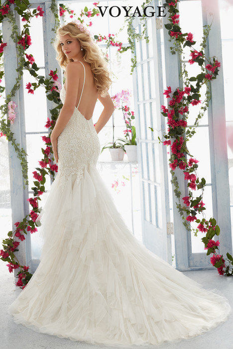6813 (back) gown from the 2016 Mori Lee: Voyage collection, as seen on dressfinder.ca