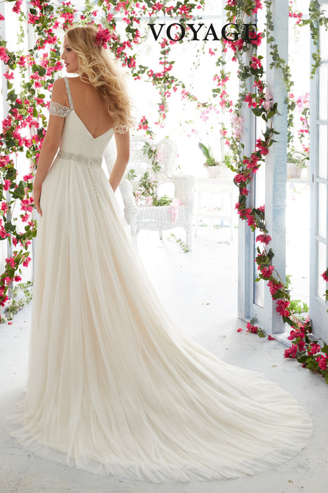 6814 (back) gown from the 2016 Mori Lee: Voyage collection, as seen on dressfinder.ca