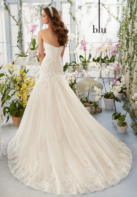 5402 (back) gown from the 2016 Mori Lee: Blu collection, as seen on dressfinder.ca