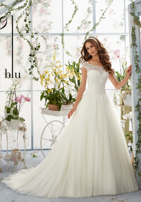 5403 gown from the 2016 Mori Lee: Blu collection, as seen on dressfinder.ca