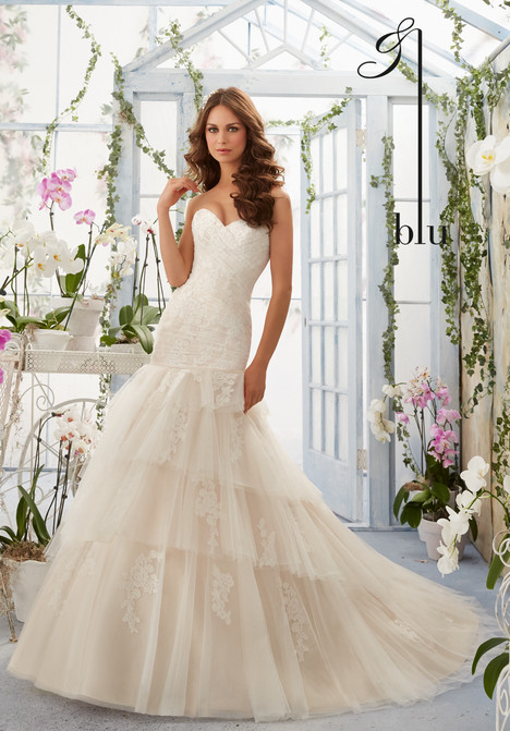 5405  gown from the 2016 Mori Lee: Blu collection, as seen on dressfinder.ca