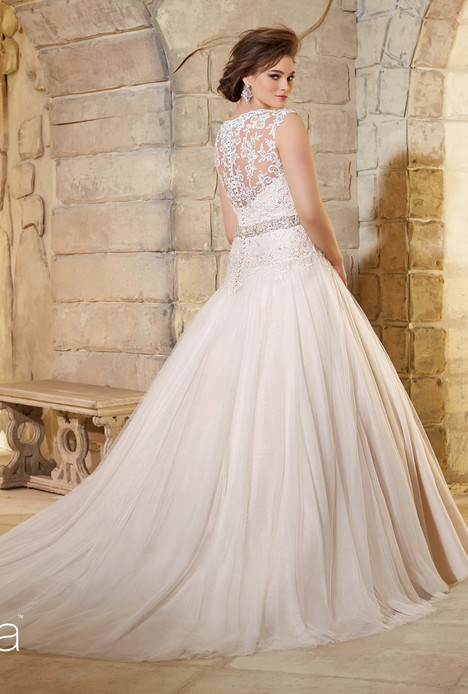 3181 (back) gown from the 2015 Mori Lee: Julietta collection, as seen on dressfinder.ca