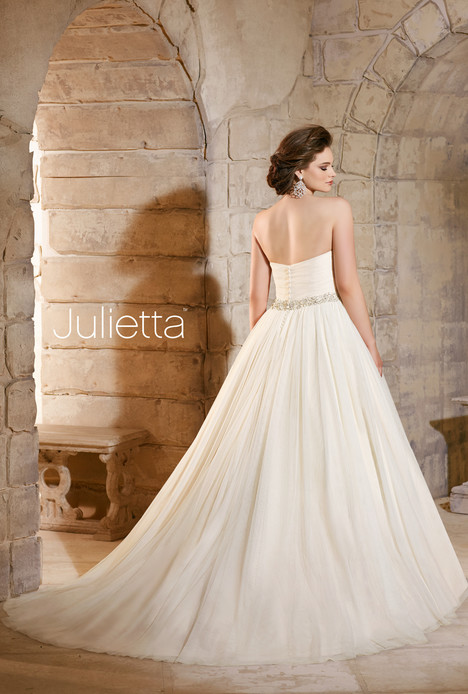 3182 (back) gown from the 2015 Mori Lee: Julietta collection, as seen on dressfinder.ca