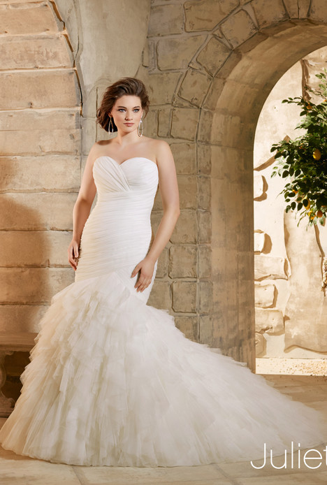 3184 gown from the 2015 Mori Lee: Julietta collection, as seen on dressfinder.ca