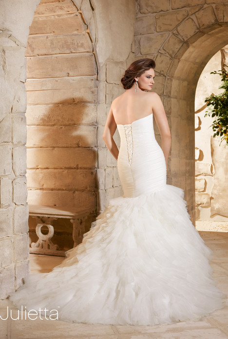 3184 (back) gown from the 2015 Mori Lee: Julietta collection, as seen on dressfinder.ca