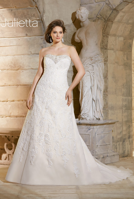 3186 gown from the 2015 Mori Lee: Julietta collection, as seen on dressfinder.ca