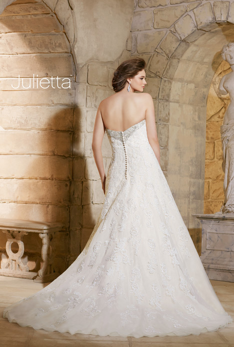 3186 (back) gown from the 2015 Mori Lee: Julietta collection, as seen on dressfinder.ca