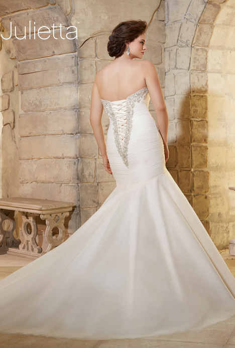 3187 (back) gown from the 2015 Mori Lee: Julietta collection, as seen on dressfinder.ca