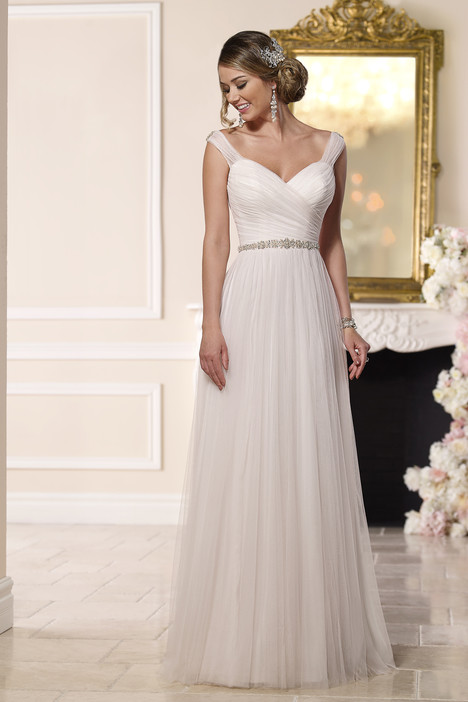 6bc69e7dbb1 6189 gown from the 2016 Stella York collection