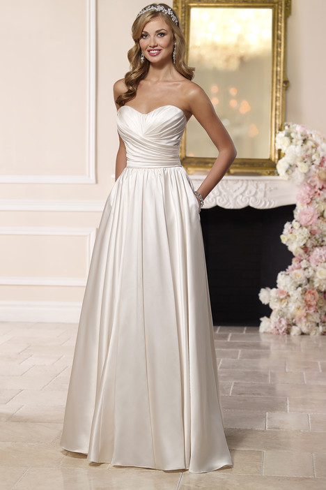 6201 gown from the 2016 Stella York collection, as seen on dressfinder.ca