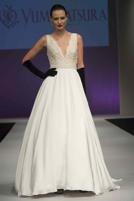 0647 gown from the 2016 Yumi Katsura collection, as seen on dressfinder.ca