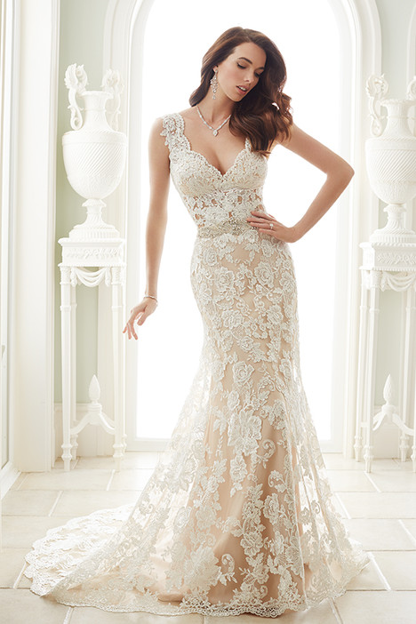 Fellini (Y21656) gown from the 2016 Sophia Tolli collection, as seen on dressfinder.ca