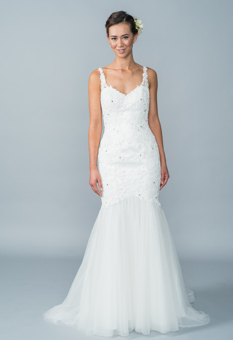 Hazel gown from the 2016 Lis Simon collection, as seen on dressfinder.ca