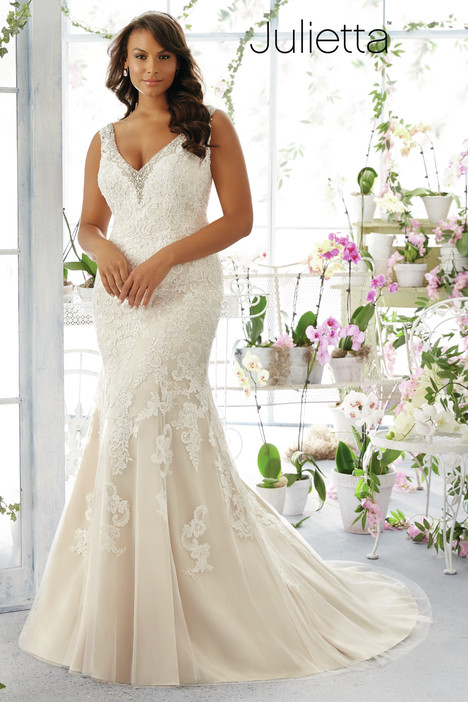 3195 gown from the 2016 Mori Lee: Julietta collection, as seen on dressfinder.ca