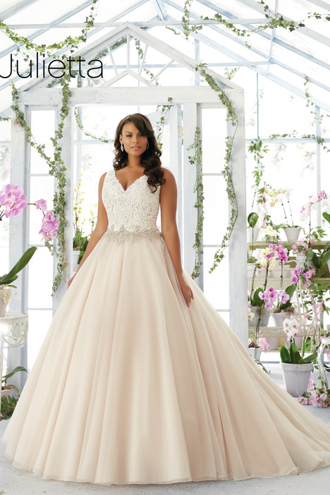 3198 gown from the 2016 Mori Lee: Julietta collection, as seen on dressfinder.ca