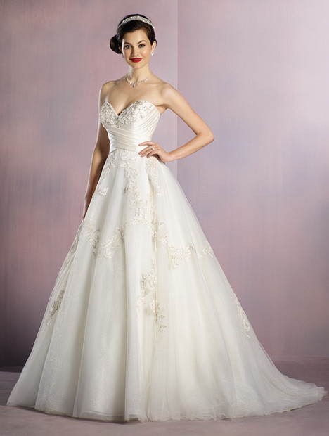 256 Snow White Ivory Wedding Dress By Alfred Angelo Disney
