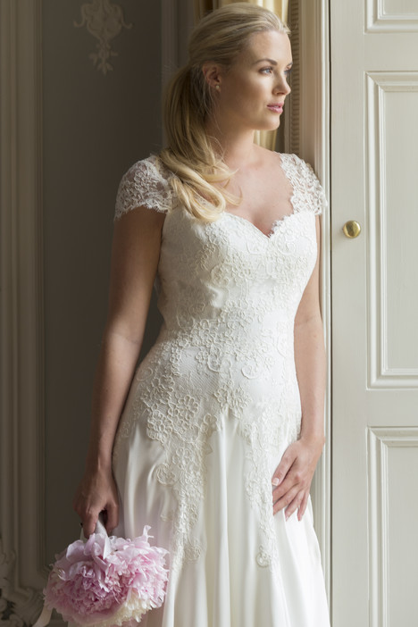 Natalia gown from the 2017 Augusta Jones collection, as seen on dressfinder.ca