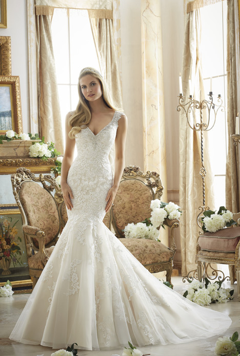 2878 gown from the 2016 Mori Lee: Bridal collection, as seen on dressfinder.ca