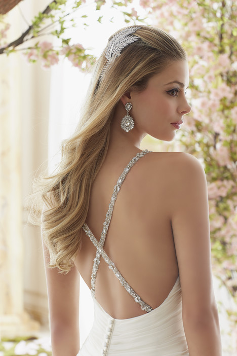 6833 (back) gown from the 2016 Mori Lee: Voyage collection, as seen on dressfinder.ca