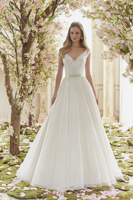 6836 gown from the 2016 Mori Lee: Voyage collection, as seen on dressfinder.ca