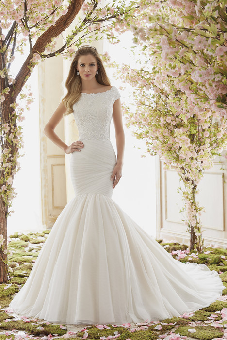 6839 gown from the 2016 Mori Lee: Voyage collection, as seen on dressfinder.ca