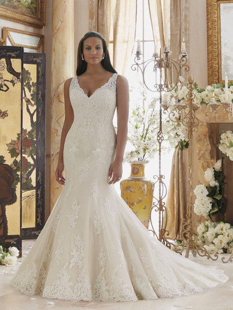 3202 gown from the 2016 Mori Lee: Julietta collection, as seen on dressfinder.ca