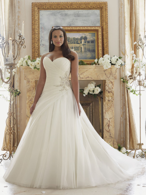 3203 gown from the 2016 Mori Lee: Julietta collection, as seen on dressfinder.ca
