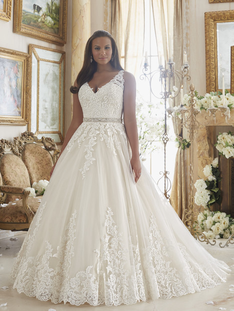 3208 gown from the 2016 Mori Lee: Julietta collection, as seen on dressfinder.ca