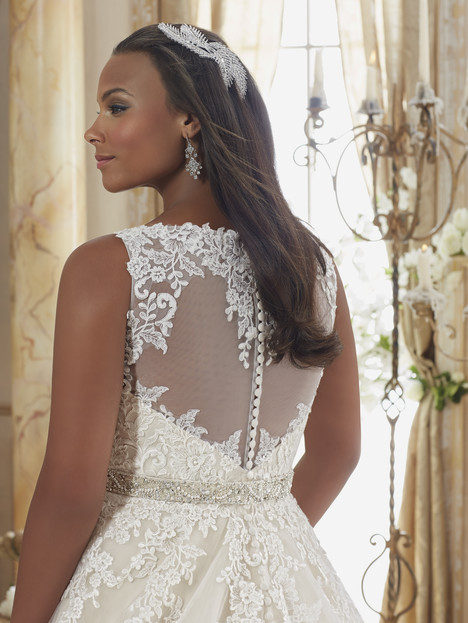 3208 (back) gown from the 2016 Mori Lee: Julietta collection, as seen on dressfinder.ca