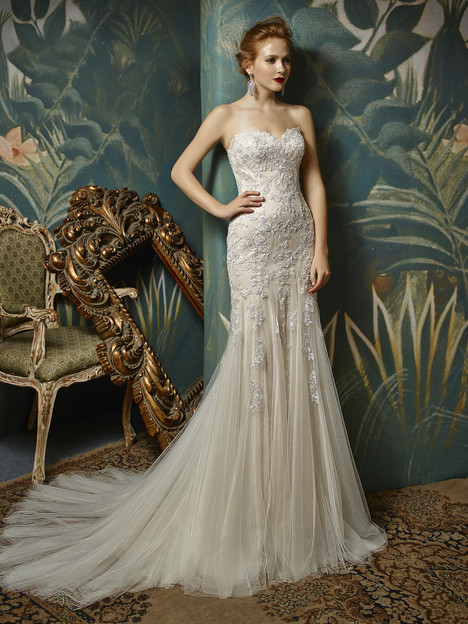 Julissa gown from the 2017 Blue by Enzoani collection, as seen on dressfinder.ca