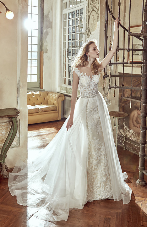 NIAB17116 gown from the 2017 Nicole Spose collection, as seen on dressfinder.ca
