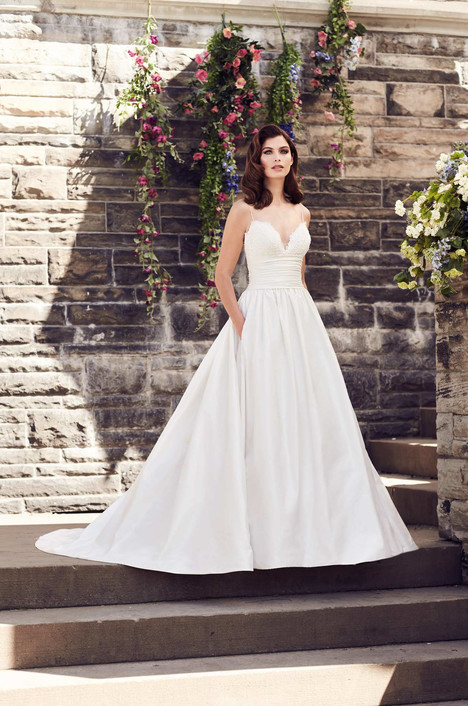 4730 gown from the 2017 Paloma Blanca collection, as seen on dressfinder.ca