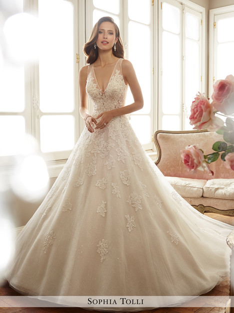 Ciel (Y11701) gown from the 2017 Sophia Tolli collection, as seen on dressfinder.ca