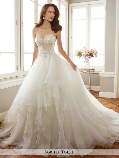 Tropez (Y11716) gown from the 2017 Sophia Tolli collection, as seen on dressfinder.ca