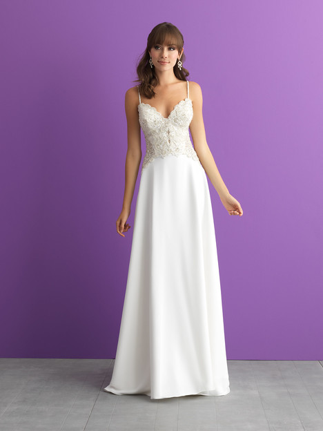#3018 gown from the 2017 Allure Romance collection, as seen on dressfinder.ca